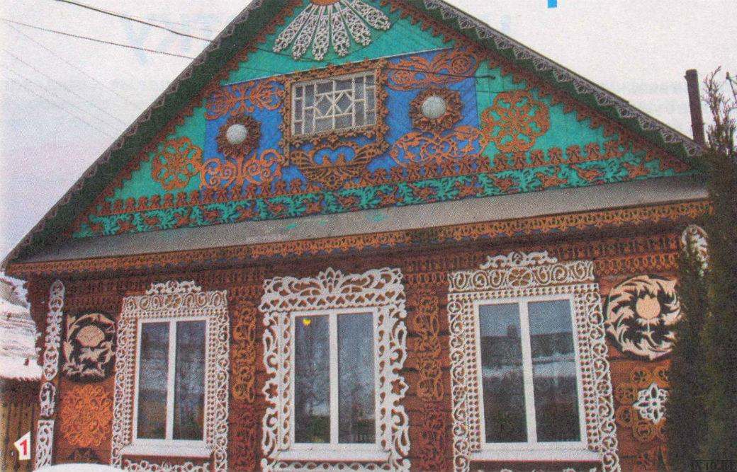 Резные фасады домов фото