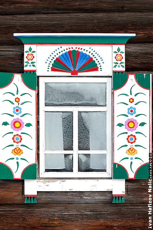 Узоры деревенских окон
