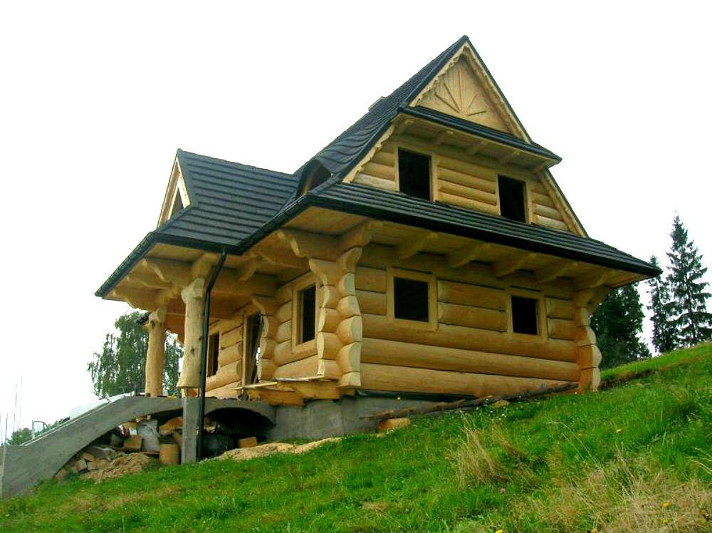 Дачный домик из бревна интерьер