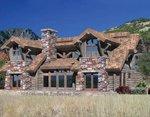 Проект рубленного дома из бревна-дом в горах
