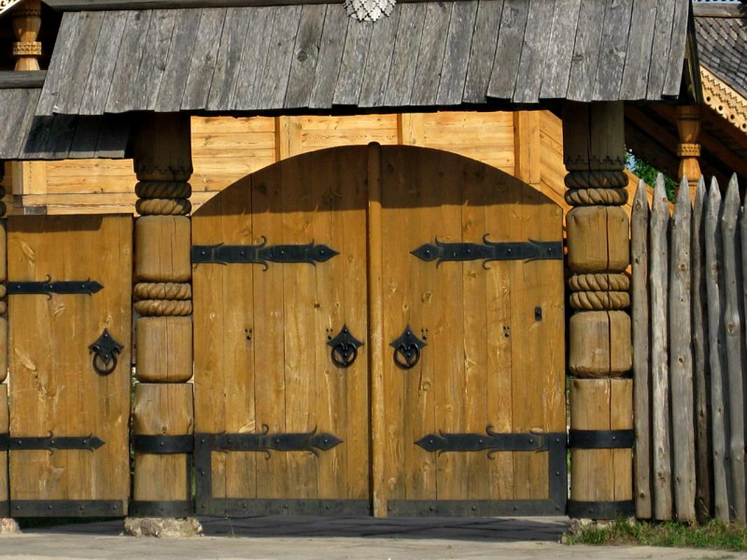 Ворота и заборы в русском стиле-ворота №10