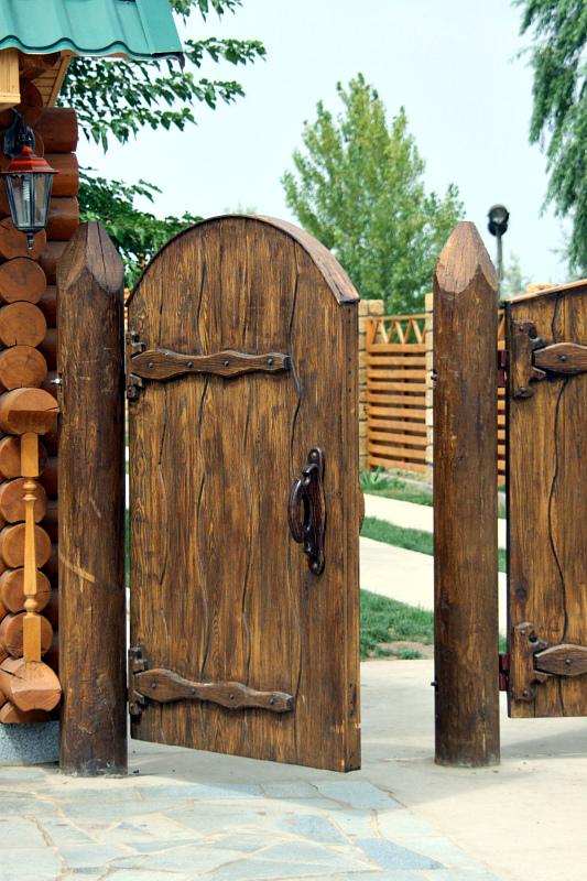 Ворота и заборы в русском стиле-ворота №40